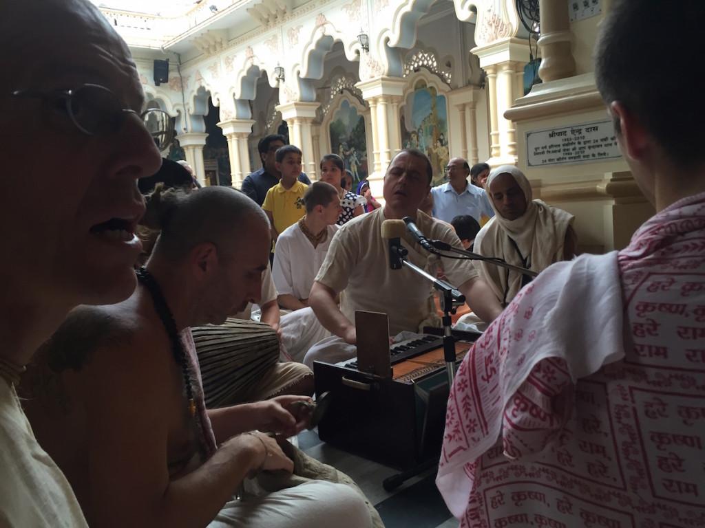 Govinda Prabhu Kirtan